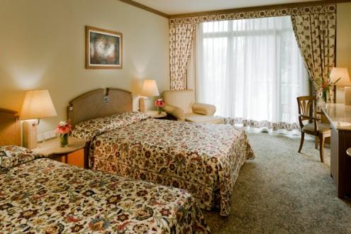 Hotel Gloria Verde camera standard.jpg
