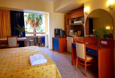 Studio Hotel Resort mica.jpg