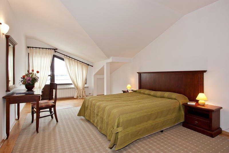 2-bedroom Apt