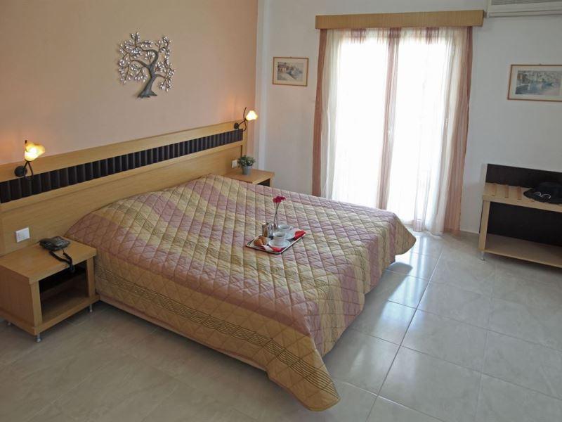 SARANTIS HOTEL - HANIOTI (5).jpeg