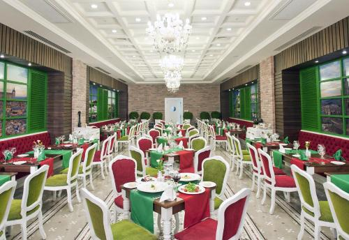 Hotel Crystal Palace Luxury Resort & Spa restaurant.JPG