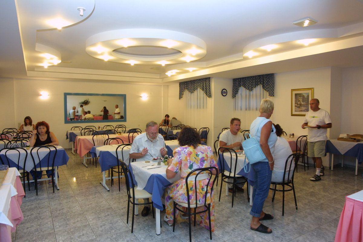 Central-Hersonissos-Restaurant-3.jpg