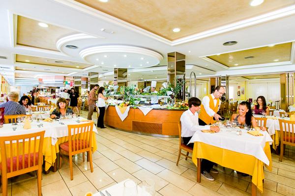 Tenerife, Hotel Fanabe Costa Sur, restaurant.jpg