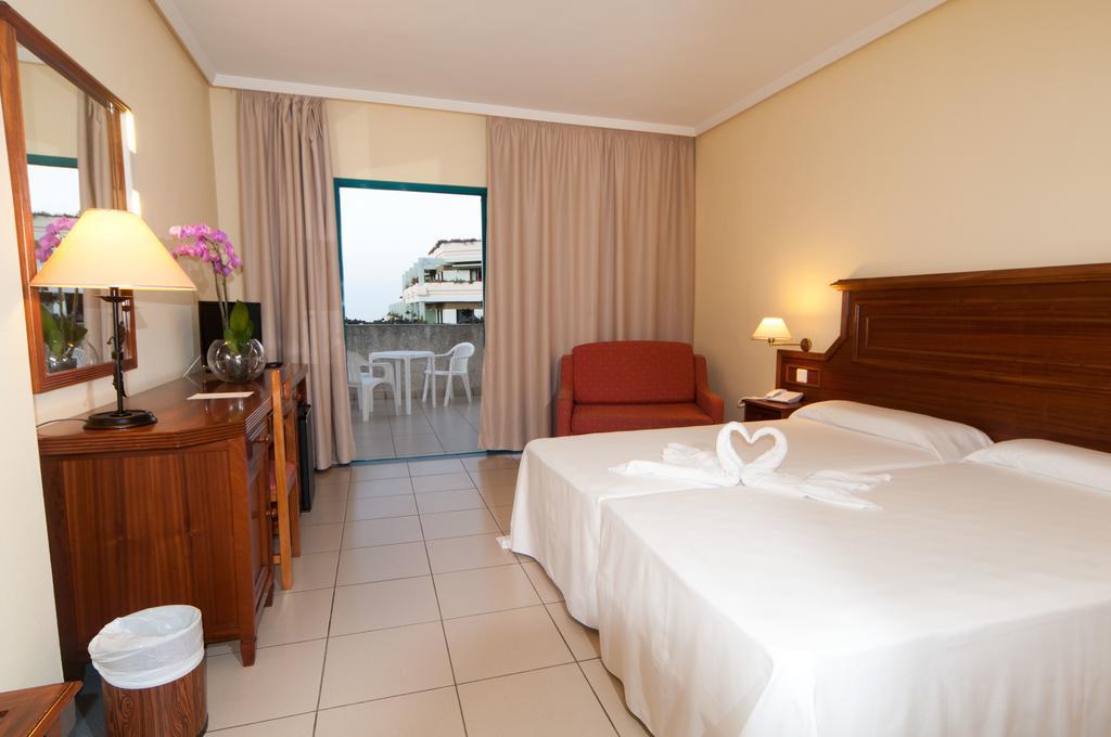 Turquesa Playa Gran 2.jpg