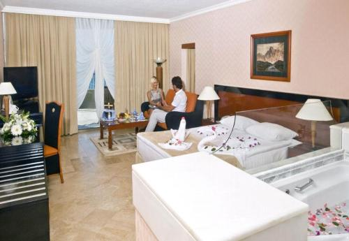 Hotel Crystal Sunrise Queen Luxury Resort & Spa camera.JPG