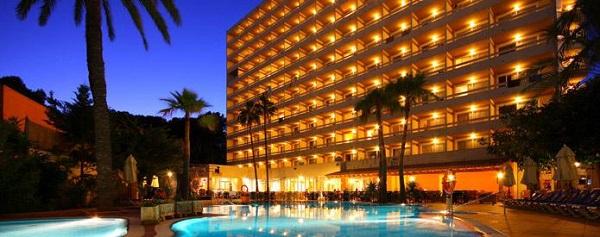 Valentin reina Paguera, exterior, hotel, piscina.jpg